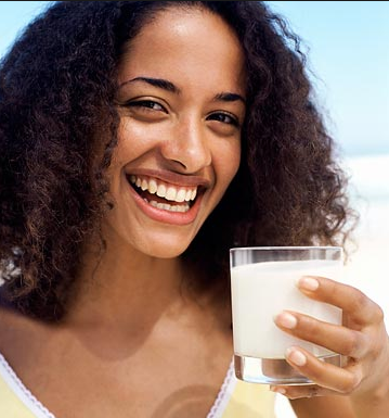 Study shows that 1000 mg of daily calcium intake for women equates to a longer life.
