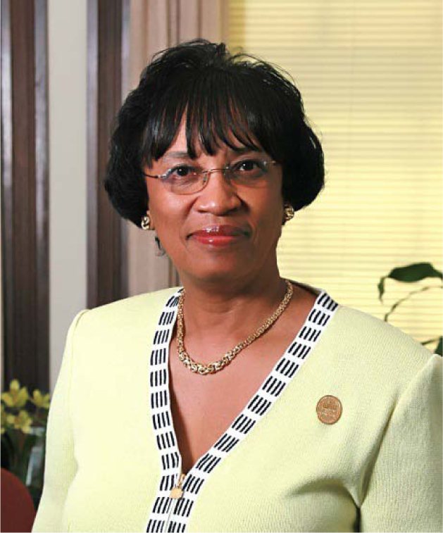 Controversial Kentucy State University President Mary Evans Sias is retiring as of june 2014. www.naturallymoi.com