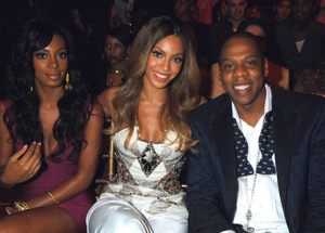 Solange-attacks-Jay-Z-in-an-elevator-as-Beyonce-watches-the-altercation.-www.iDateDaily.com_-300x215