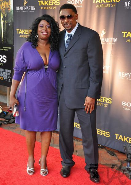 Angie Stone claims that her estranged boyfriend Ashanti is sleeping with a production crew member. www.naturallymoi.com