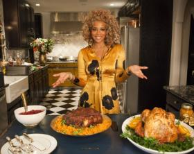 Singer Kelis to star in cooking show www.naturallymoi.com